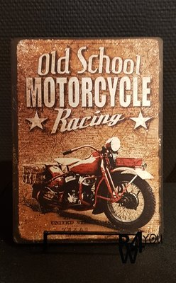 Houten tekstbord 'Old school motorcycle racing'