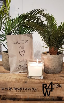 geurzakje met tekst 'lots of love and lavender'